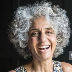 NWT natural grey wig with curls SHORT